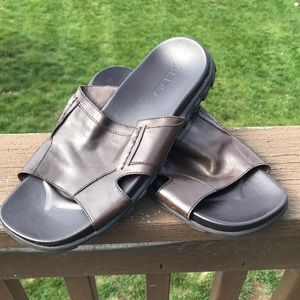ALDO men's brown leather slip on sandals (size 9)